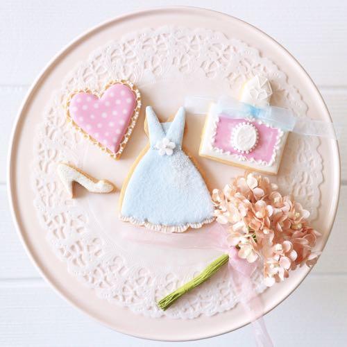 ウエディングドレスのクッキー